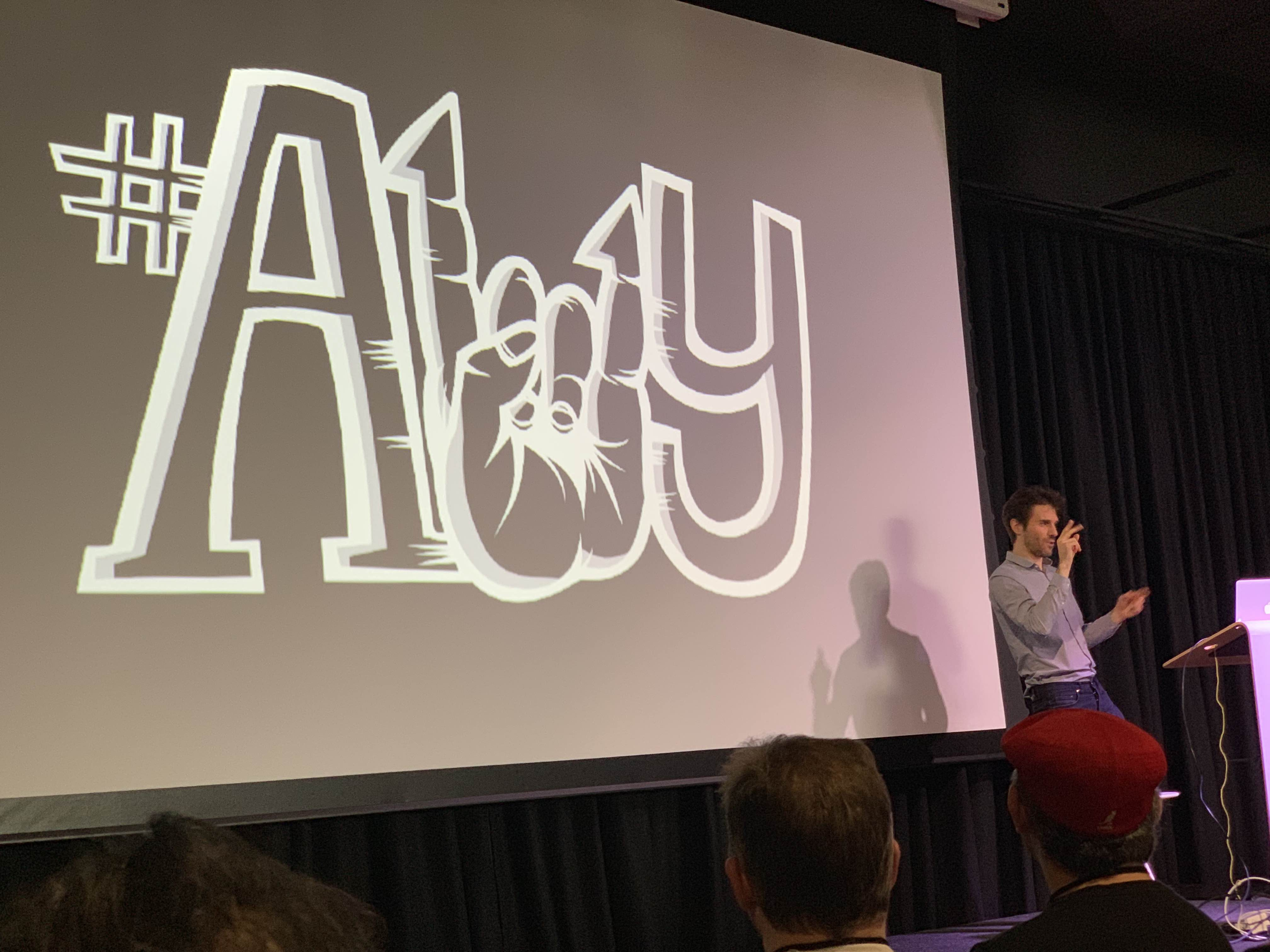 Ben Fletcher bigs up #a11y at Monkigras 2019